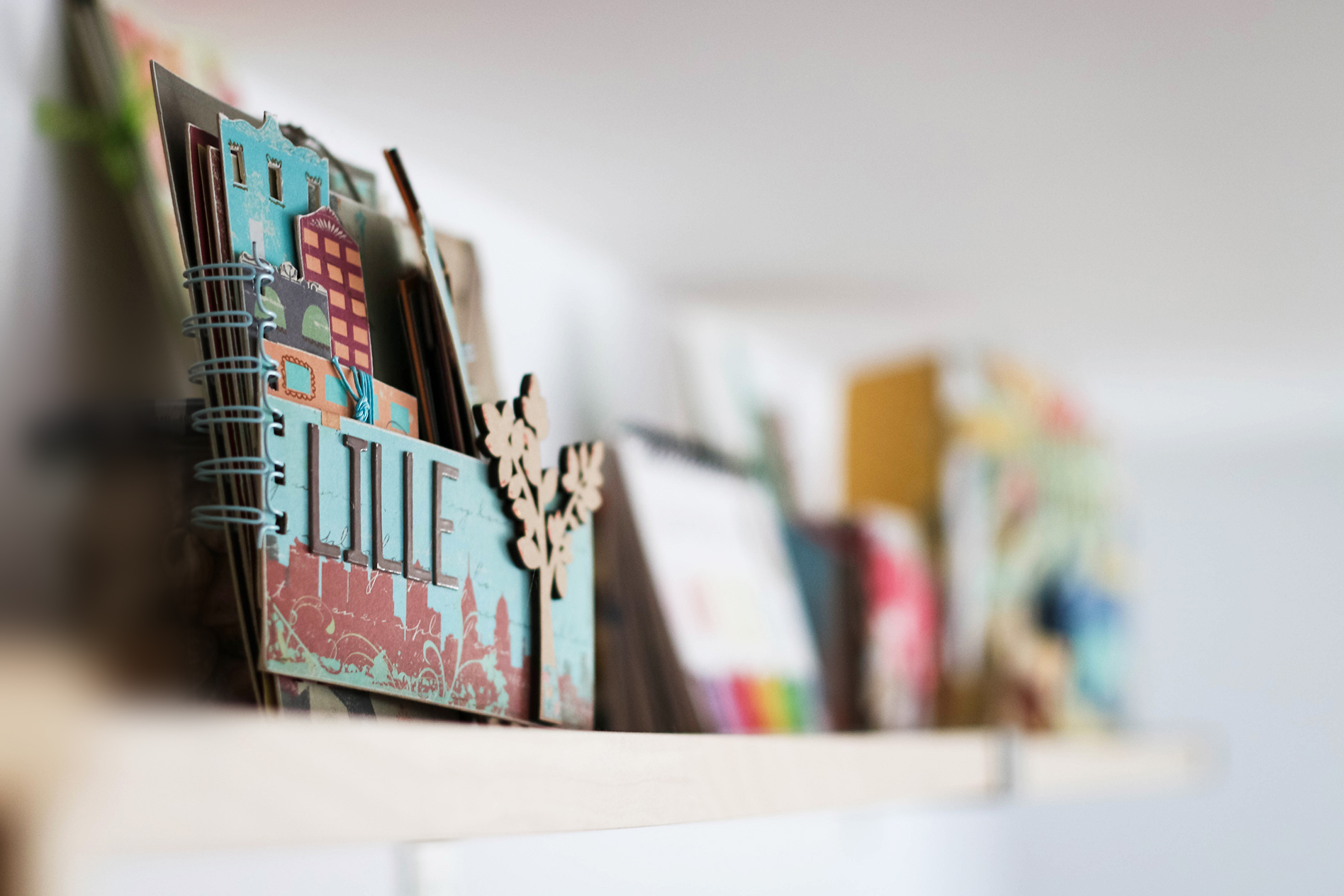 Mini-album-scrap-Lille-Couleurs-en-folie