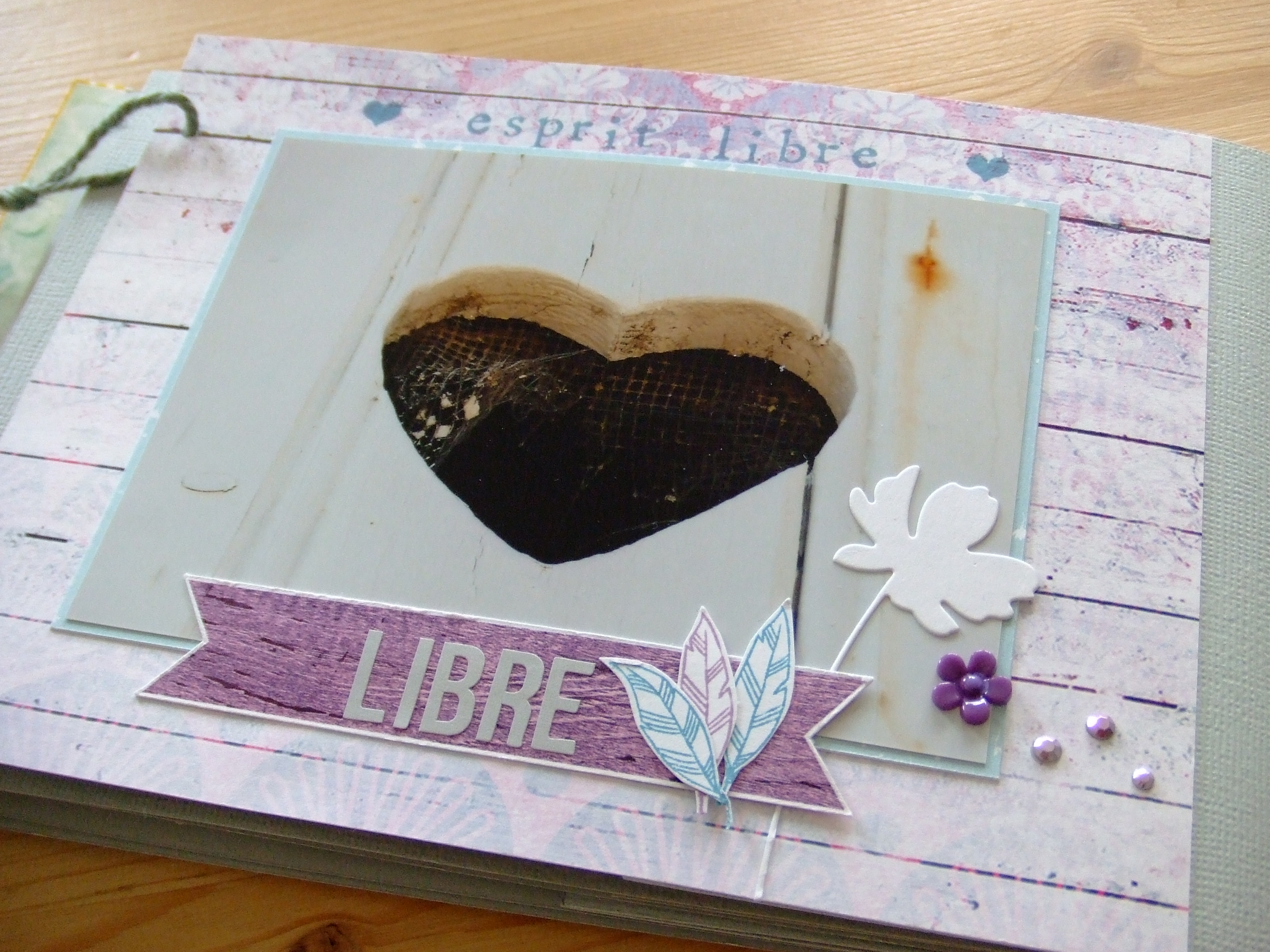 Vente en kit Un p'tit brin de Bohême mini-album scrap scrapbooking couleurs-en-folie papiers scrap-plaisir attrape-rêve