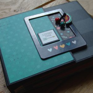 Tutoriel mini-album Loving This 1 scrapbooking scrap Couleurs-en-folie tuto doodling
