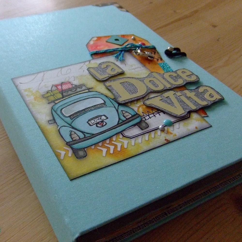 Tutoriel mini-album La Dolce Vita couleurs-en-folie kits mini-albums scrap scrapbooking road-book carnet-de-voyage atelier stage lille marcq-en-baroeul photos-de-vacances tutoriel tuto
