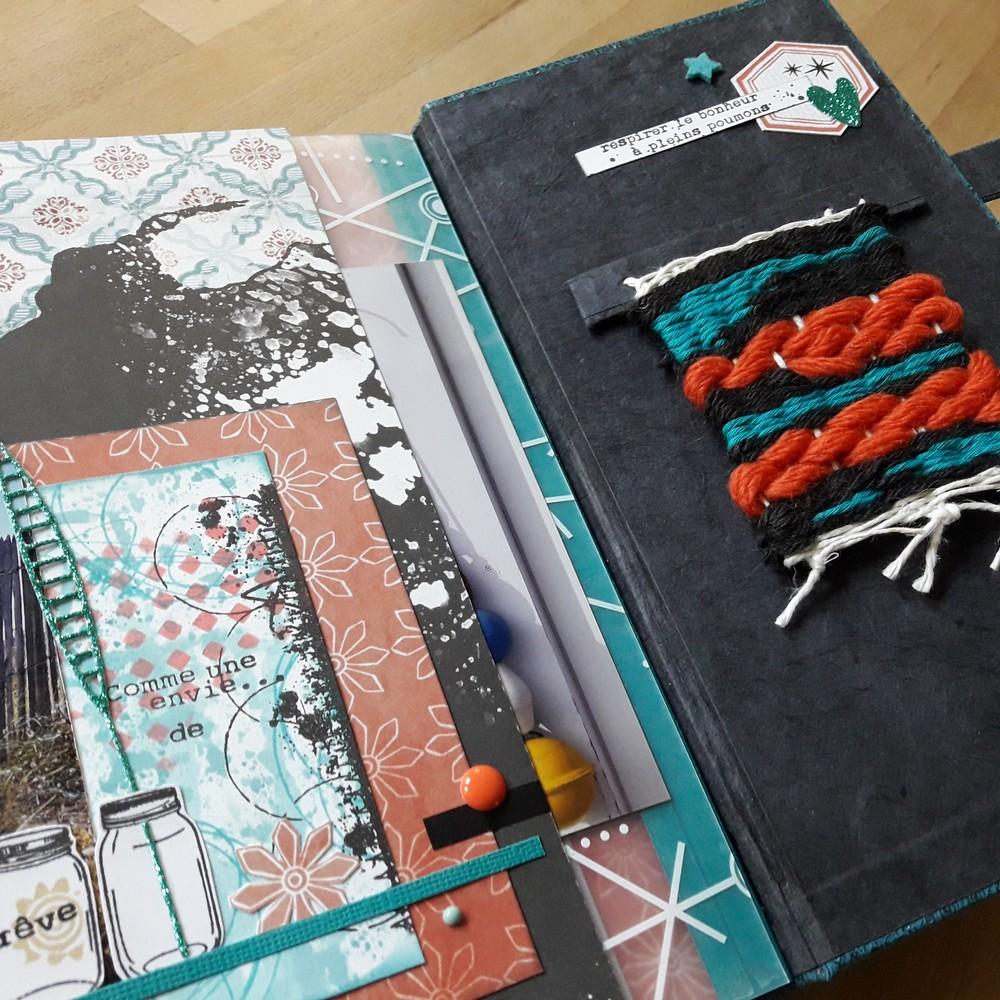 Tutoriel mini-album Croquer la VIE kits scrap scrapbooking mini-albums couleurs-en-folie ateliers atelier tutoriel tuto reliure cartonnage encres pochoirs tampons lille marcq-en-baroeul