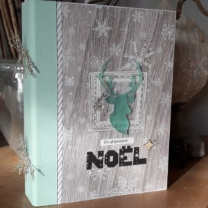 Tutoriel mini-album En attendant Noël journal de noël december daily bullet journal bujo kit mini-album scrap scrapbooking diy les-kits-de-couleurs-en-folie encres tampons pochoirs noël avent
