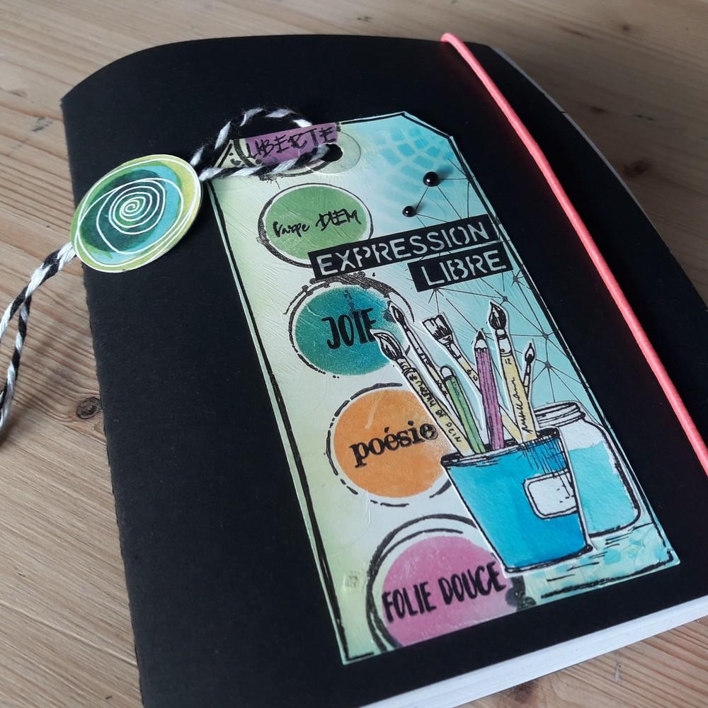 tuto expression libre kit scrap scrapbooking scrapbook mini-album couleurs-en-folie isabelle-lafolie atelier ateliers kits carnet création art inspiration imagination gesso