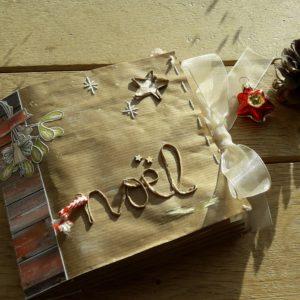 Tuto album Noël Couleurs-en-Folie kit mini-album december daily journal de Noël album famille fêtes marchés de Noël tampons encre paper-bag pochettes Kraft Glassine Isabelle-Lafolie